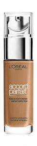 L'Oréal Paris – Fond de Teint Fluide Accord Parfait – Peaux Sèches à Normales – Teinte : Ambre Dorée (7.D) – 30 ml – Nouvelle formule enrichie en acide Hyaluronique et Aloé Vera
