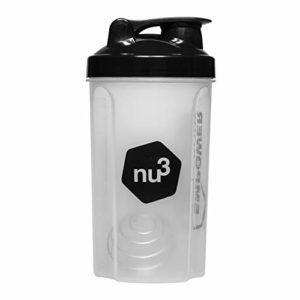 nu3 – Shaker protéines | 700ml | Shaker plastique pour shakes protéinés, fruit shakes, diet shakes | Avec ressort en acier inoxydable et couvercle à clapet dévissable