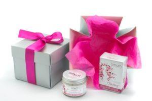Omum – Coffret Cadeau Soins pour Femme Enceinte et Jeune maman – Grossesse – Bio